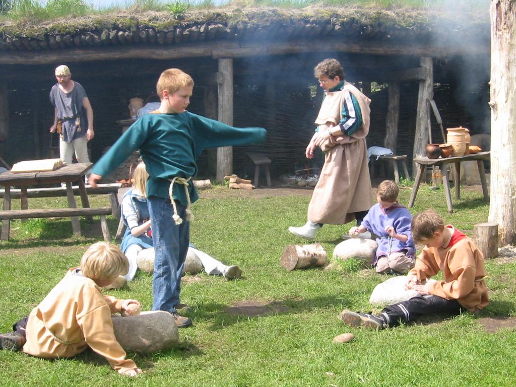 Kinder in Jenalder