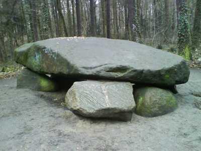 Das Hünengrab im Steinbergpark